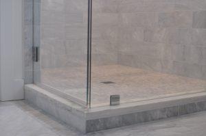 Custom glass shower enclosure in Schaumburg, Illinois